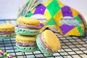Mardi Gras King Cake Macarons