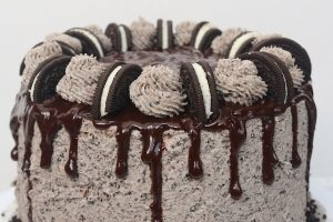 Oreo Cookies n Cream Layer Cake